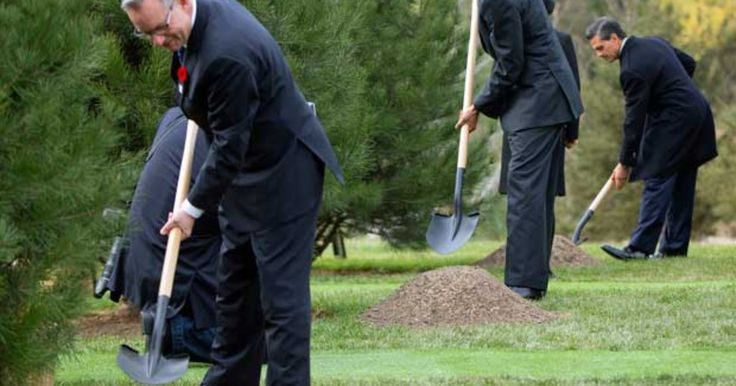 Presidentes dos EUA e México plantam árvores na China