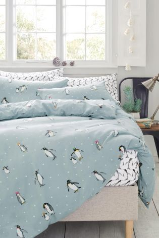 Winter is the perfect time to get creative with your home decor, adding in festive touches through your accessories! If you want to make your bedroom a little more seasonal, or have a guest room you'd like to do up for Christmas time, why not opt for this ADORABLE penguin bed set?