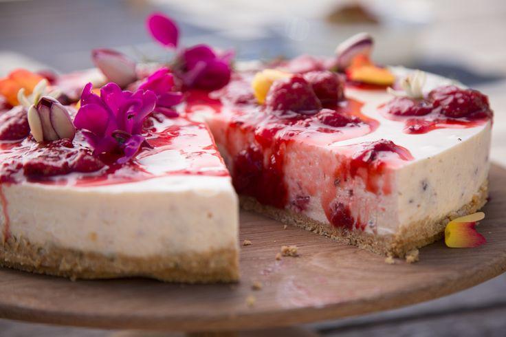 Strawberry, Fennel & White Chocolate Cheese Cake THE BOX - Ripe Recipes