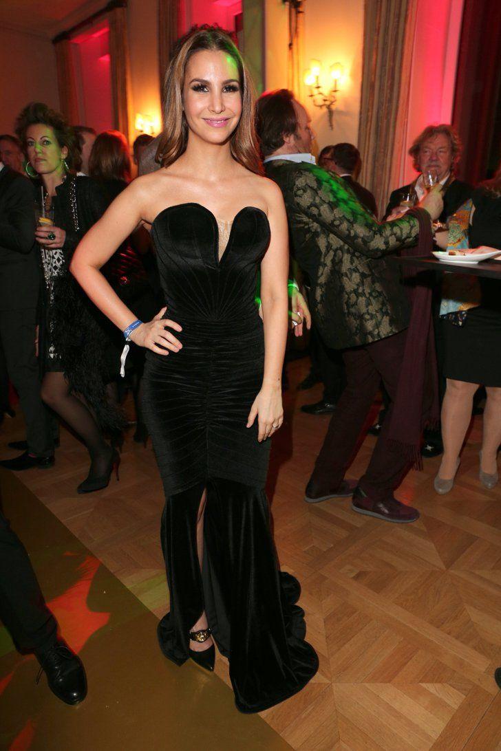Pin for Later: Die Top 10 Looks der Berlinale: Welcher ist euer Favorit? Sila Sahin in einem Kleid von Cielle Couture