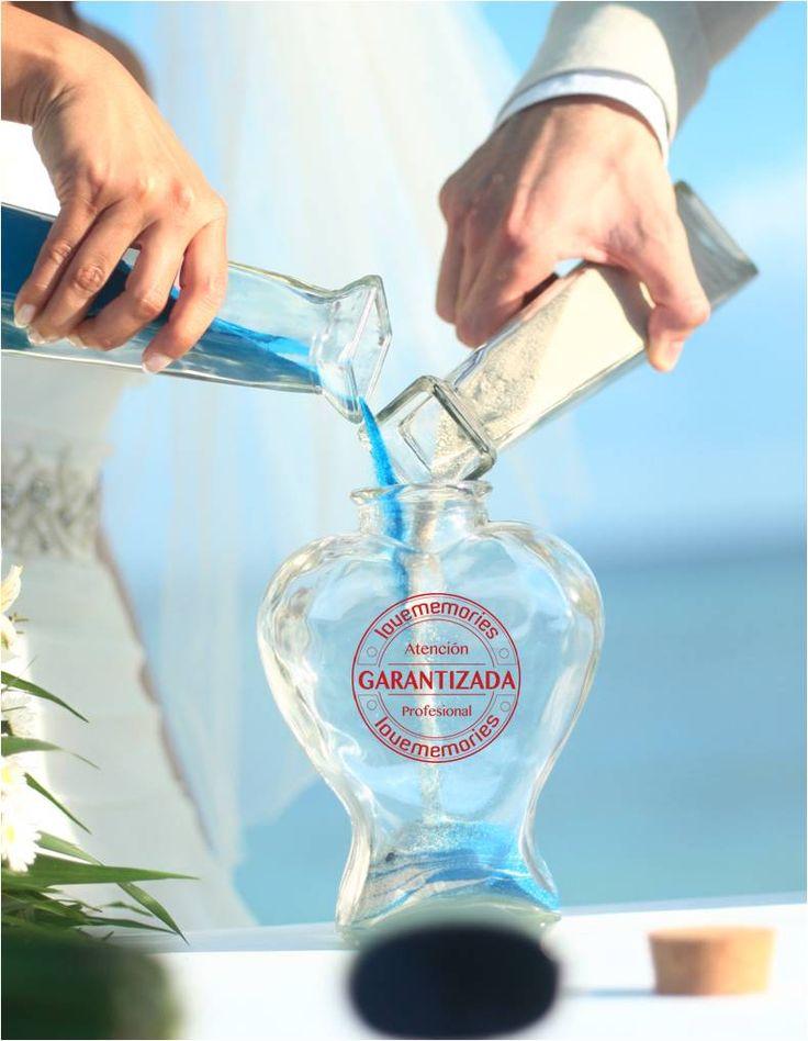 Quieres tener un recuerdo memorable de tu #boda ?? La Ceremonia de Arena es uno de los rituales de amor como tu mejor opción.  #MibodaenCancun