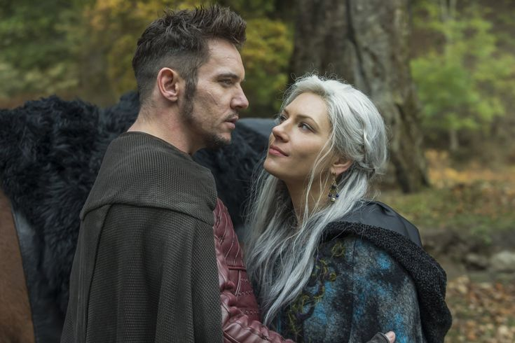 Gird Your Loins, Vikings Fans: Things Are About to Get Steamy Between Lagertha and Heahmund
