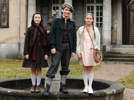 """Larissa, Abrascha and Hanna....from the film """"Wunderkinder"""""""