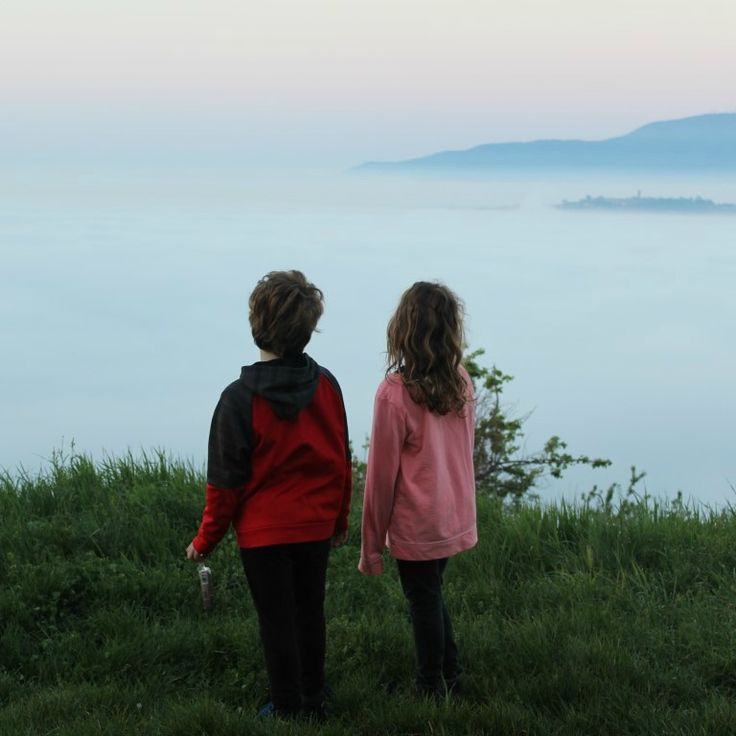 Archie and Rissie mesmerised this morning by the fact that it felt like Uzzano was lost in the clouds.