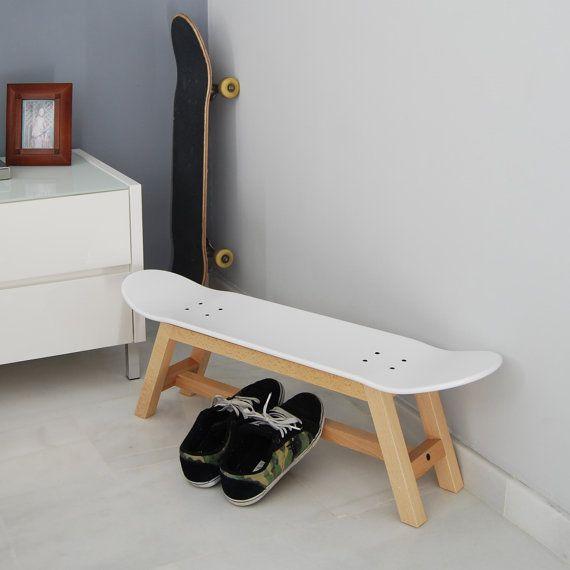 les 25 meilleures id es concernant skateboard decor sur pinterest tag res de planche. Black Bedroom Furniture Sets. Home Design Ideas