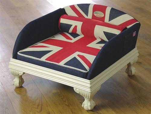 Pedestal Pet Bed