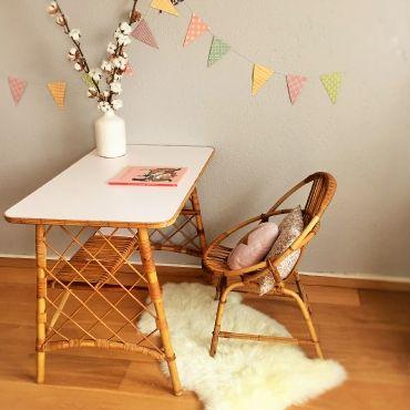 Léonce, le bureau en rotin vintage, rénové, rose