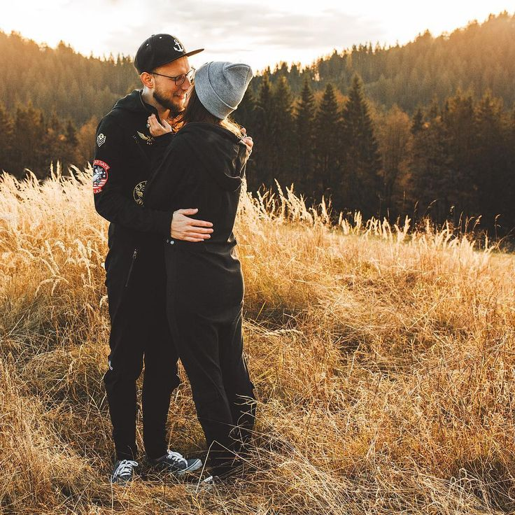 Heartwarming shoot by #juliansell.fotografie in Bad Steben - Germany (man: Aviator Jumsuit, woman: Original Onesie)