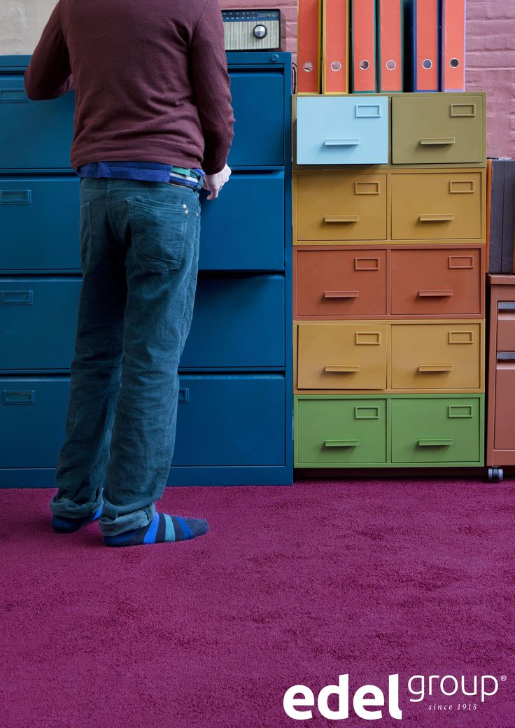 Kleurrijk én zacht aan je voeten. | Colourful and soft on your feet. Kick off those shoes!