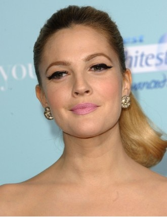Love this Makeup Look!  Drew Barrymore - learn how to & more at proglamchick.com