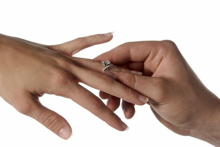 Quelles stars vont se fiancer le jour de la Saint Valentin ?