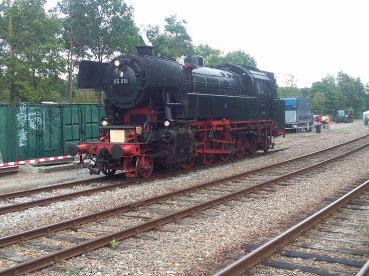 Locomotief 65 018 Tussen 1952 en 1956 werden 18 locomotieven van de serie 65 aan de Deutsche Bundesbahn geleverd. Ze waren bedoeld om de oude locomotieven van de series 78 en 93.5 te vervangen.