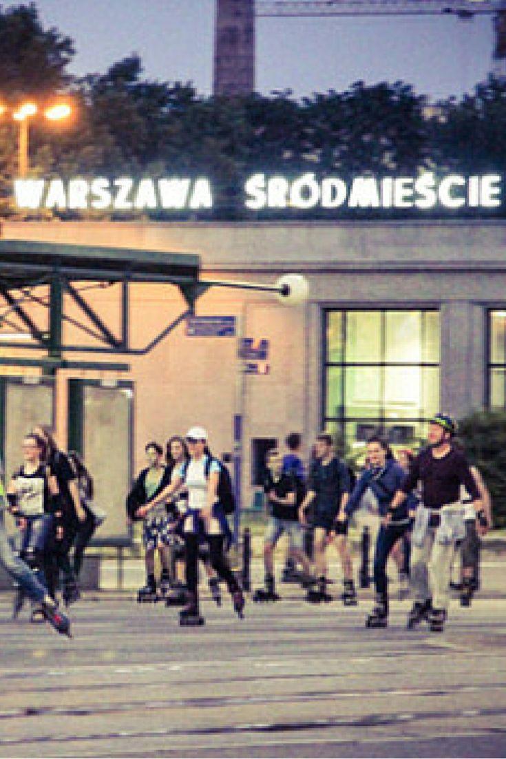 """Rolkarze przejęli stolicę. """"Jechali, jechali i jechali..."""". http://kontakt24.tvn24.pl/najnowsze/rolkarze-przejeli-stolice-jechali-jechali-i-jechali,172519.html"""