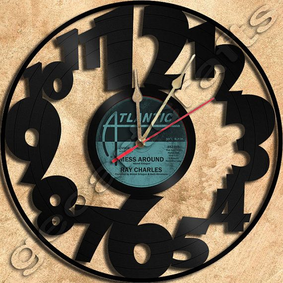 Wall Clock Big Numbers Vinyl Record Clock Upcycled by geoartcrafts, €23.00