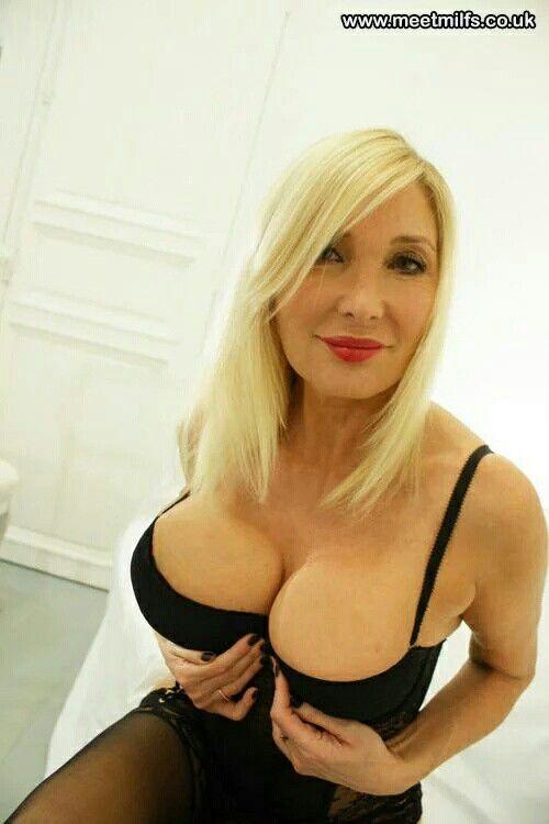 hot mums with big tits uk