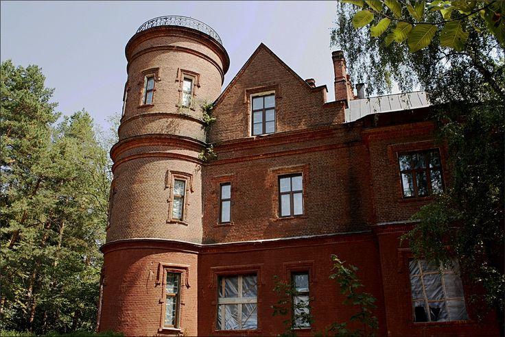 Estate of princes of Scherbatovs an example of pseudogothic in Podmoskovye
