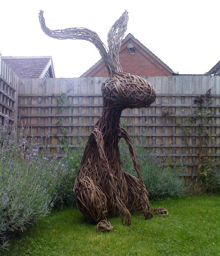 http://inspirationgreen.com/willow-sculpture.html                                 Tom Hare's Willow Hare.  www.tomhare.net