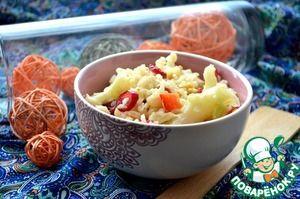 Теплый средиземноморский салат с коричневым рисом и цветной капустой