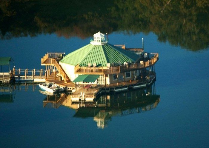 Floating cabins at Ardmore, Oklahoma