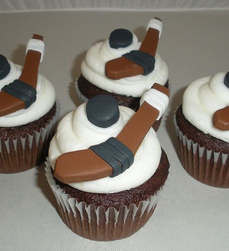 Hockey Stick and Puck Cupcakes | Flickr - Photo Sharing!