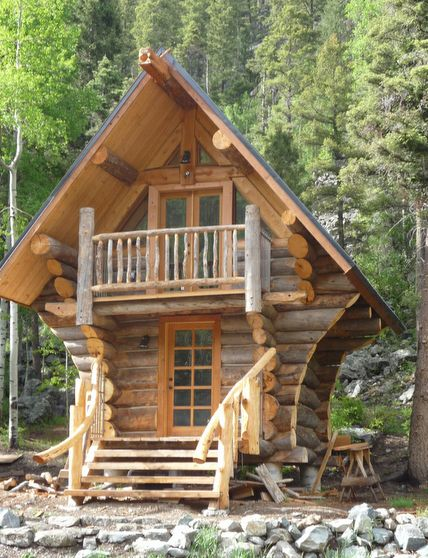 25 best ideas about tiny log cabins on pinterest small for Unique log homes