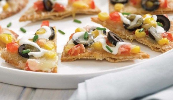 whole-wheat-nachos-with-corn-and-three-cheeses