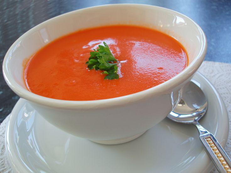 Fantastic tomato basil soup recipe SOOO low cal & healthy!! Blend in blender 2 tomatoes, 1Tbsp dried basil, 1 1/2 Tbsp Olive oil & salt & pepper to taste :) DELICIOUS
