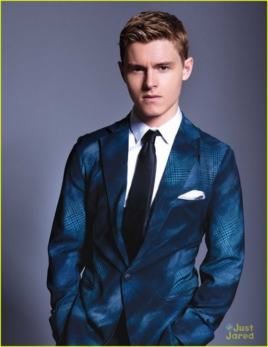 Callan Mcauliffe as young Jay Gatsby. Yes yes yes