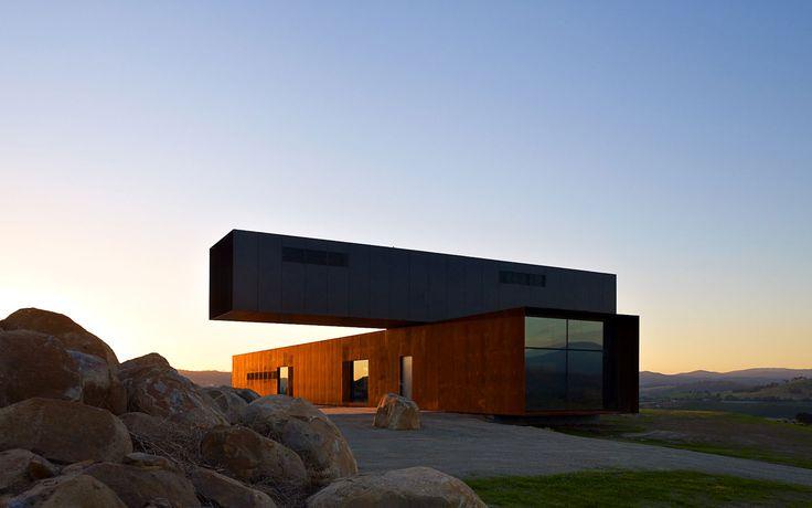 View Hill House + Vineyard, Australia
