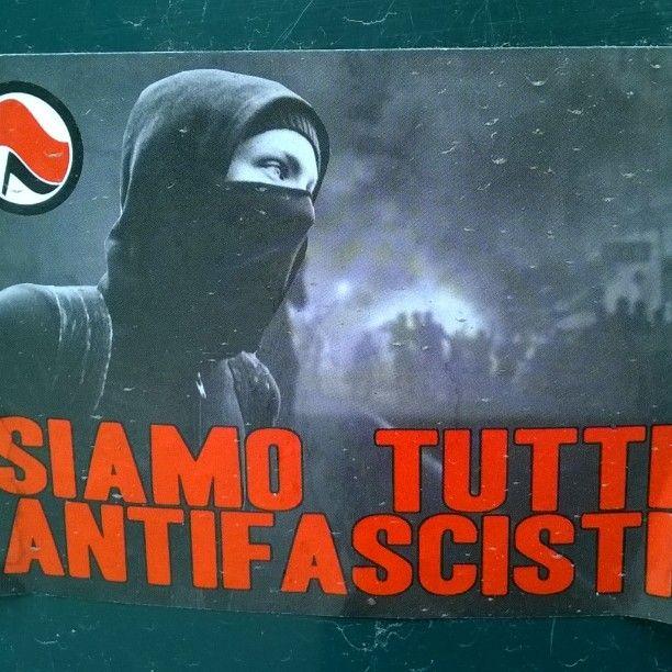 #siamoTuttiAntifascisti #stopfascism #streetart #sticker #katutaidetta #Helsinki #kallio 17/5/17