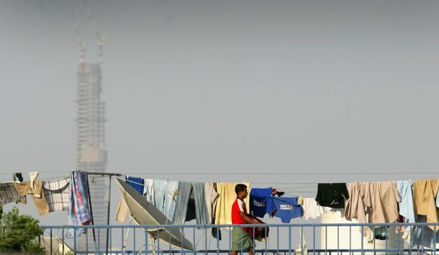 Take A Look At The Laundry Routines Around The World: Dubai, United Arab Emirates