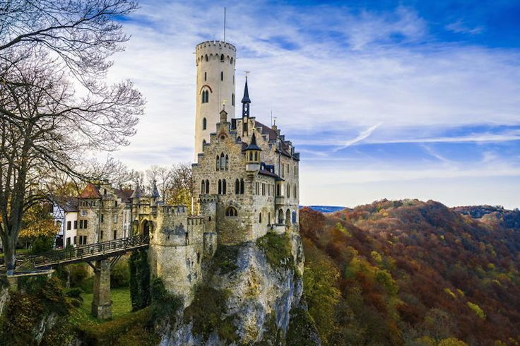 This German cliff-side castle was originally constructed in the year 1200. It is said to be inspirited by a novel, and includes 19th-century details. Regular tours go on here, giving you the opportunity to view the castle for yourself.
