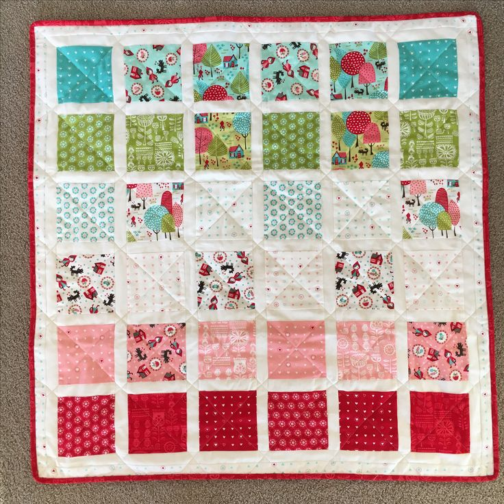 Stacey Iset Hsu Lil Red colour gradient baby quilt, love, love, love her fabric collections!!