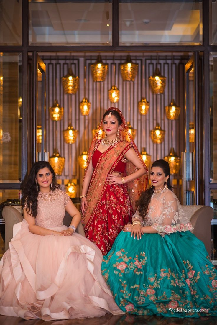 Beautiful bridal outfits by Shyamal & Bhumika at WeddingSutra Engage.