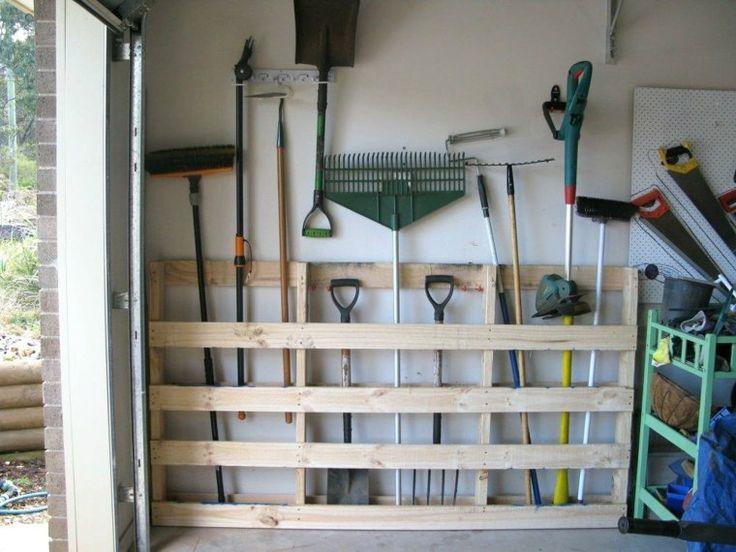 palette pour ranger outils jardinage
