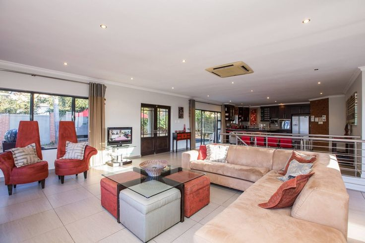 Spacious and very neat at On Madeleine Holiday Home. Ballito Accommodation.