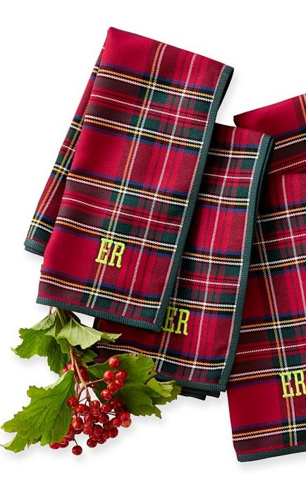 Preppy plaid napkins with optional monogram http://rstyle.me/n/dadp4n2bn