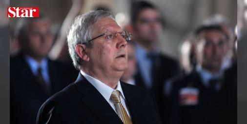 """Mahkemede sert tartışma! 'Dön önüne terbiyesiz': FETÖ/PDY'nin """"Futbolda şike"""" soruşturmasında kumpas kurduğu iddiasıyla açılan dava Silivri Ceza İnfaz Kurumu karşısında bulunan duruşma salonunda başladı. İstanbul 23. Ağır Ceza Mahkemesi tarafından görülecek olan davanın ilk duruşmaları 5 gün sürecek. Duruşma için Fenerbahçe Başkanı Aziz Yıldırım da Silivri'ye geldi. Duruşma esnasında Aziz Yıldırım'ın Mehmet Baransu'ya 'Dön önüne terbiyesiz' sözleri bir hayli dikkat çekti."""