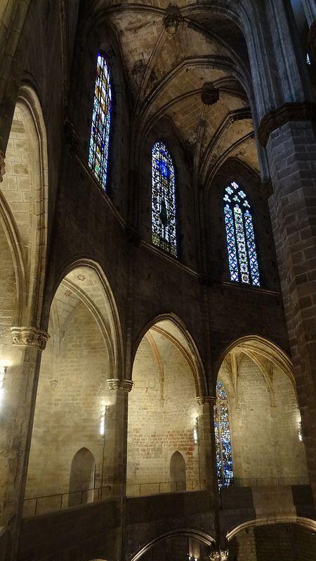 Interior de Santa Maria del Mar, #Barcelona. http://www.viajarabarcelona.org/lugares-para-visitar-en-barcelona/iglesia-de-santa-maria-del-mar/ #turismo #viajar