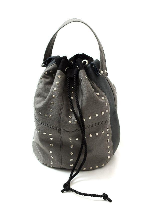 Big studded pouch / studded felt bag made of wool felt and leather. Handmade by Anardeko