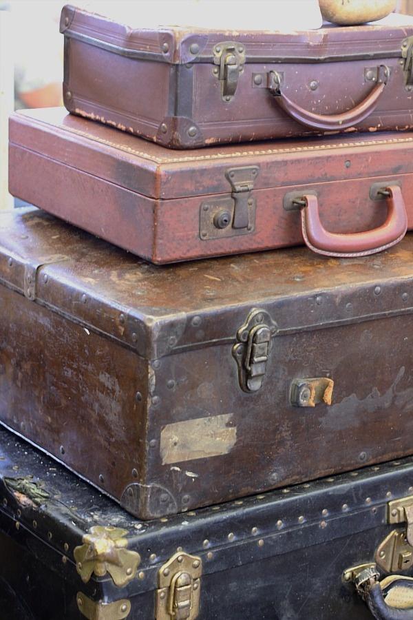 love vintage suitcases