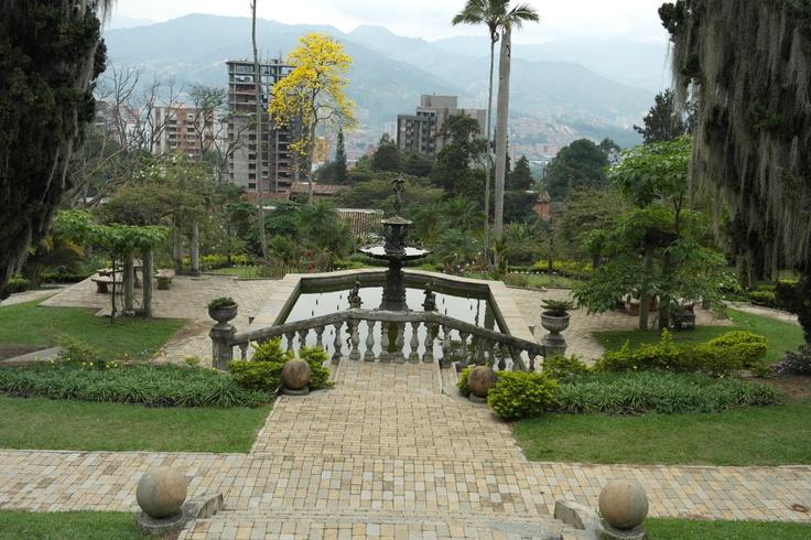 Días de Novias 2013 Fecha: 16 y 17 de Marzo de 2013 Lugar: Museo El Castillo. Medellín-Colombia Organiza e invita: TODAMIBODA