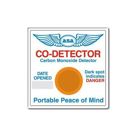 Il Monossido di Carbonio (CO) è un gas tossico, inodore e insapore, prodotto dalla combustione incompleta di benzina, kerosene, gas naturale, butano, propano, olio combustibile, legno, carbone e altri combustibili fossili. Livelli pericolosi di CO possono essere prodotti da motori a combustione interna o da qualsiasi altro dispositivo atto a bruciare combustibile che sia mal regolato o insufficientemente ventilato.