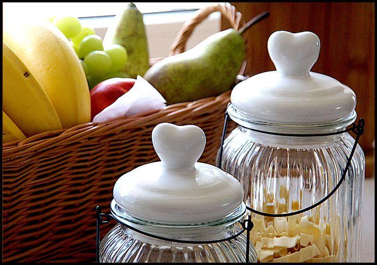 Smaczków w kuchni dodają pięknie przechowywane przyprawy ...