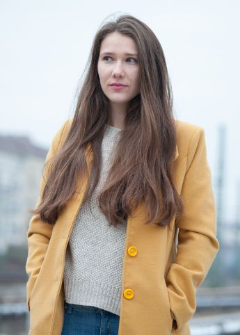 Hi! Welcome to my blog! I'm going to show you this amazing city, my daily life here.   Yellow coat, Long hair, Outfit, Autumn, Winter, White sweater, Polish girl