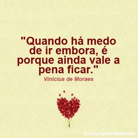 Vinicius de Moraes, nascido Marcus Vinicius de Moraes (Rio de Janeiro, 19 de outubro de 1913 — Rio de Janeiro, 9 de julho de 1980) foi um diplomata, dramaturgo, jornalista, poeta e compositor brasileiro.Poeta essencialmente lírico, o que lhe renderia a al