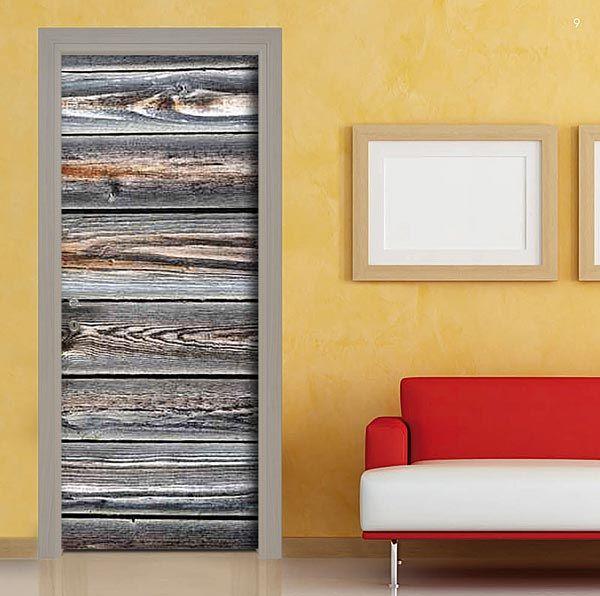 Comodamente consegnato a casa tua. La pellicola per personalizzare la porta con le tavole in legno si applicherà in modo facile ed intuitivo.