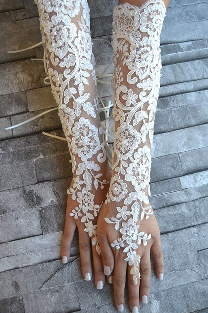 Popular Trend: Incredible Wedding Gloves ❤ See more: http://www.weddingforward.com/wedding-gloves/ #weddings #gloves