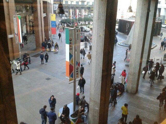Milan. Italia. Calle. Existen los angeles