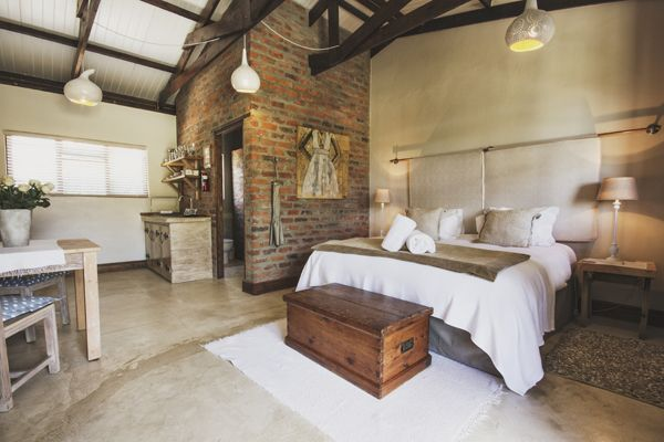 Swellendam Accommodation - A Hilltop Country Retreat